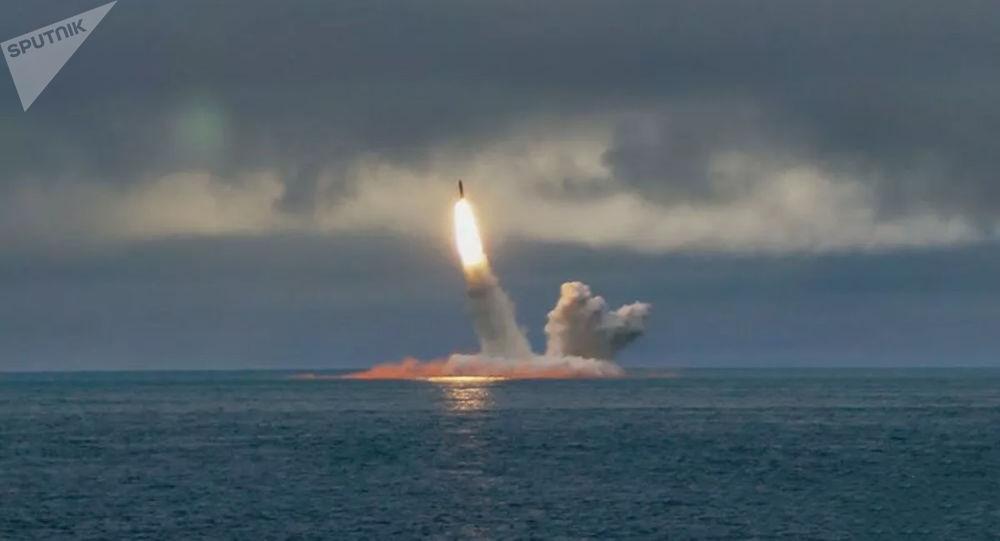 """俄副总理:""""布拉瓦""""齐射将有关这种弹道导弹的所有疑虑消除"""