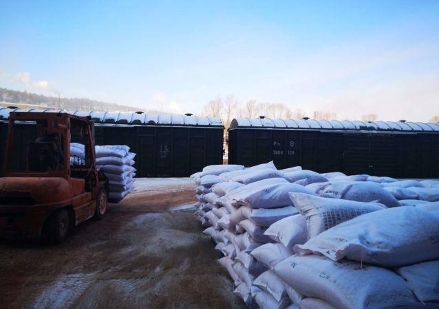 绥芬河自贸试验区实现进口俄罗斯钾肥落地加工