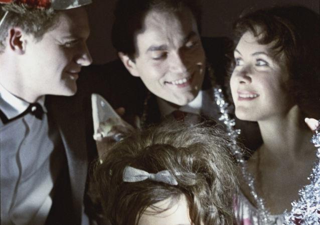 1964年,新年舞会