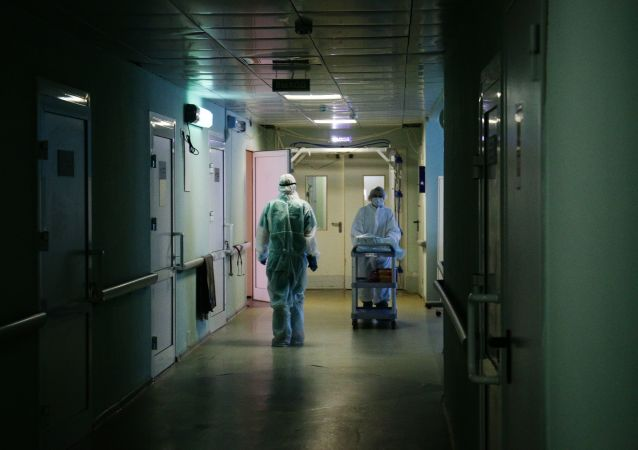 俄防疫指挥部:俄单日新增新冠病毒感染病例8419例 累计超488万例