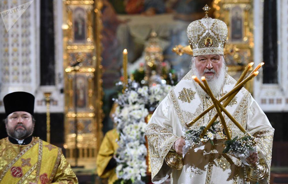 莫斯科及全俄罗斯东正教大牧首基里尔参加在莫斯科基督救世主大教堂里举行的圣诞节祈祷活动