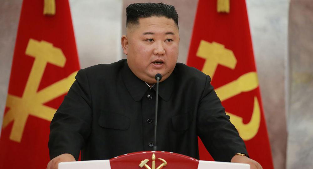 金正恩在朝鲜劳动党八大闭幕式上做总结并致闭幕词 强调要加强团结和自力更生