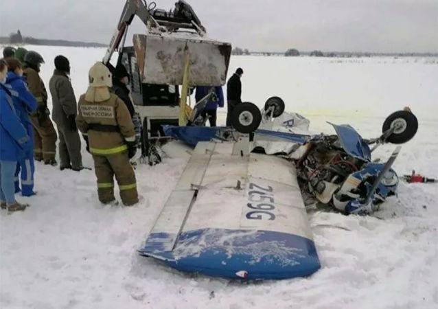 列宁格勒州一架小型飞机坠毁
