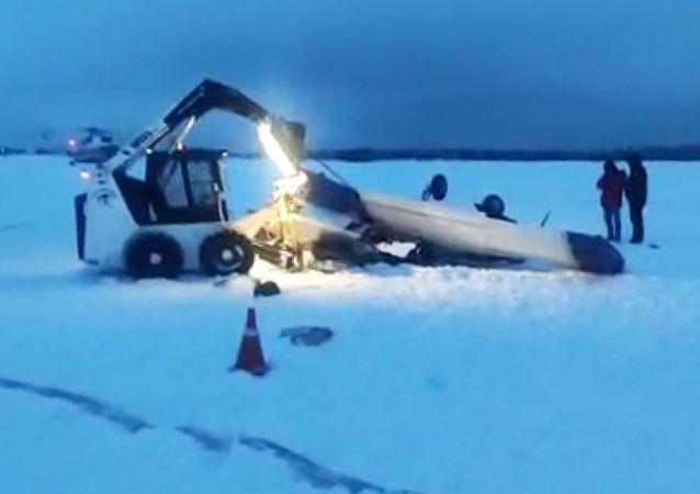 俄检察院:列宁格勒州失事飞机坠毁前撞上另一架小飞机