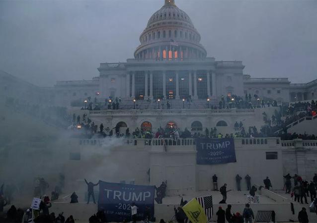 媒体:多名美国国会大厦警员在骚乱后遭调查