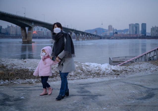 """俄韩合作公司正准备相关文件以启动在韩国批准使用""""卫星V""""疫苗程序"""