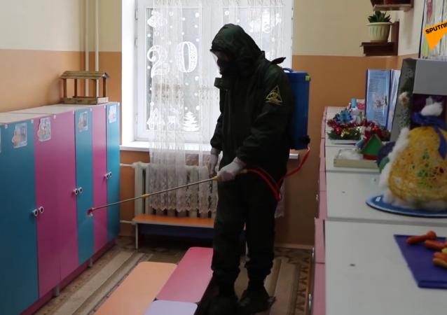 塔吉克斯坦启动学校幼儿园防病毒消杀工作