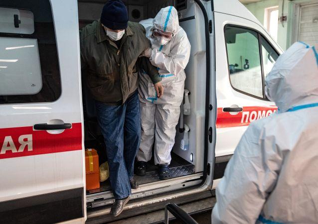 俄防疫指挥部:俄单日新增新冠病毒感染病例8731例 累计超480.5万例