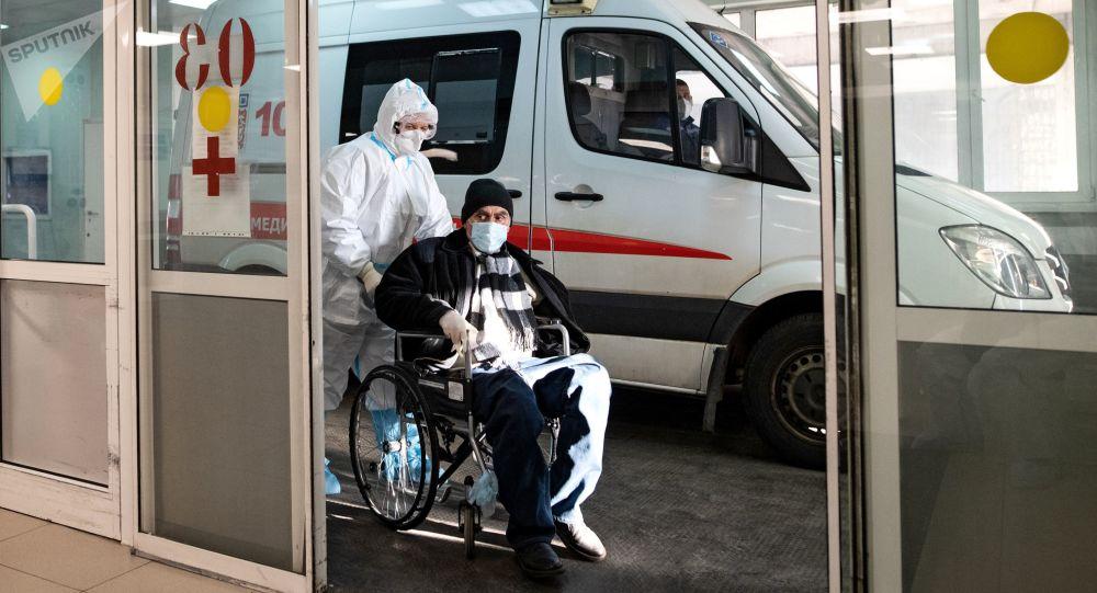 俄防疫指挥部:俄单日新增新冠病毒感染病例10535例 累计超427.8万例