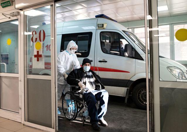 俄防疫指挥部:俄单日新增新冠病毒感染病例8380例 累计超491.3万例