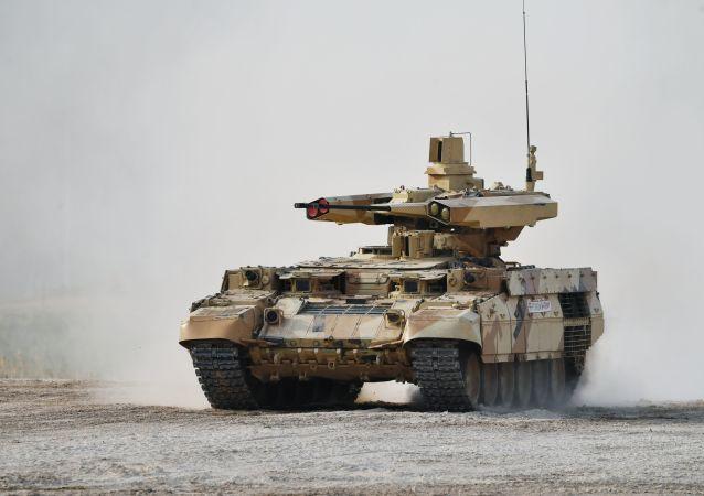 """俄罗斯""""终结者""""坦克支援战车"""