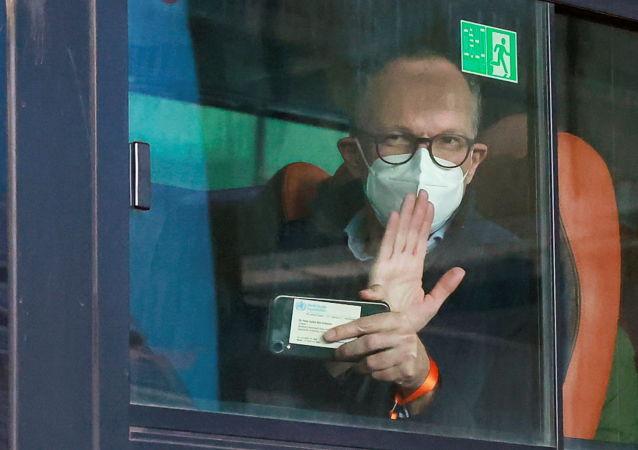 中国外交部回应两名世卫组织专家未能顺利来华原因