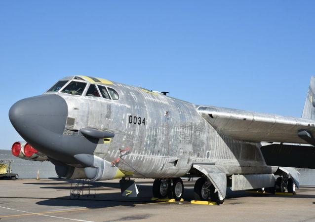 美国轰炸机被封存十年后重返服役