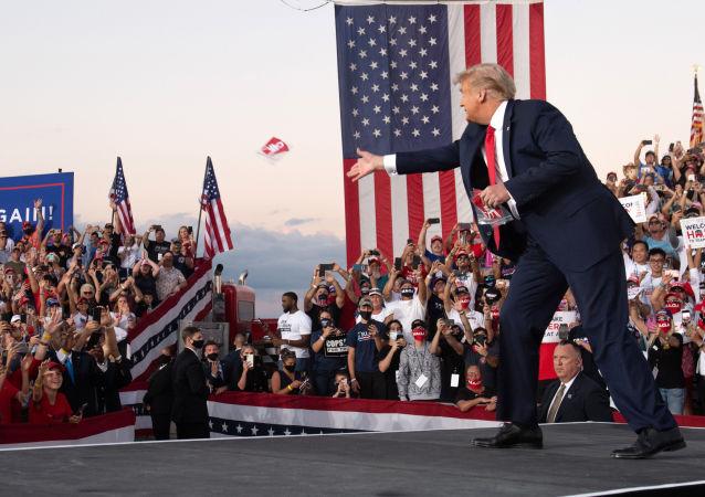 专家:特朗普有在美国成立第三政党的前提条件