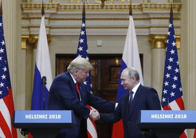 特朗普认为普京喜欢他并且他们相互喜爱