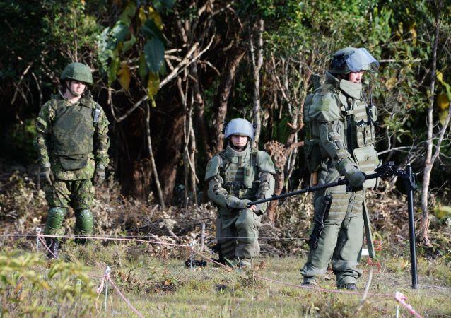 俄军人在老挝排除200多枚美军遗留炸弹和炮弹