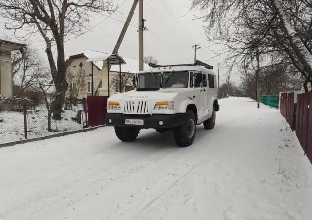 乌克兰汽车机械师亲手建造了一辆独一无二的越野车