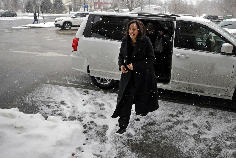 美国首位女性副总统卡玛拉·哈里斯的穿衣风格