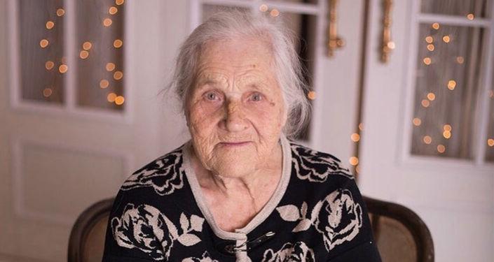 老奶奶热尼娅
