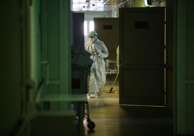 俄防疫指挥部:俄单日新增新冠病毒感染病例9021例 累计超457.2万例