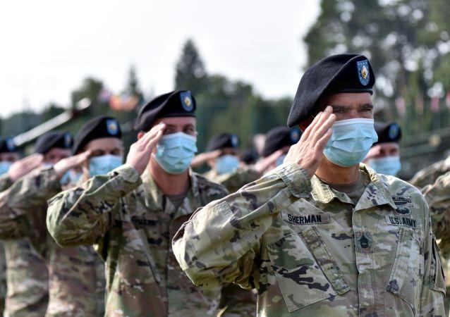 美国防部将审查全球美军部署情况