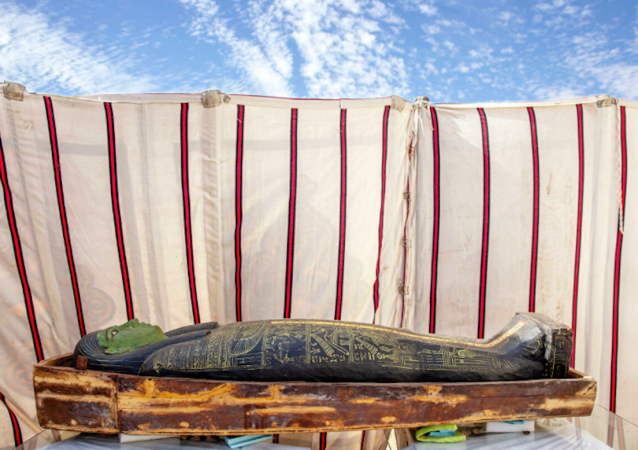 考古学家在埃及发现54具古代木棺