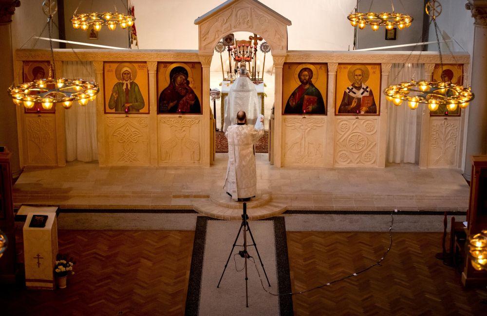 世界各地的东正教徒庆祝主显节