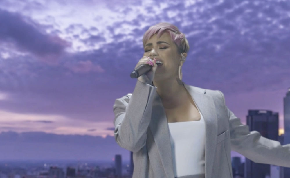 美国歌手黛米·洛瓦托应邀参加总统就职庆典晚会表演