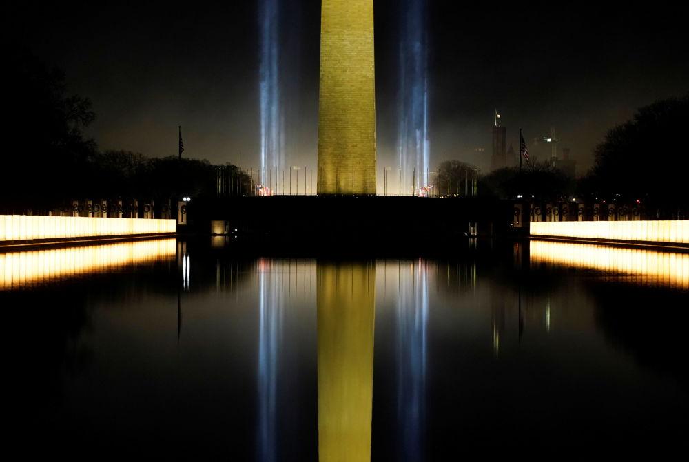 美国第46任总统就职典礼当日的华盛顿纪念碑