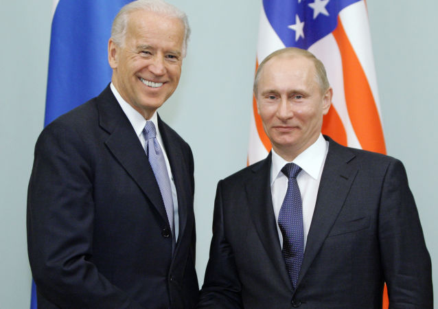 普京与拜登(莫斯科,2011年3月10日)