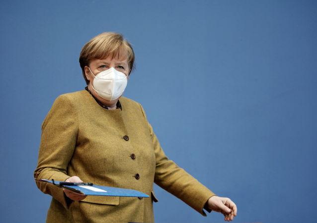 """德国撤回""""史上最严封锁令"""" 默克尔自责称决策失误"""