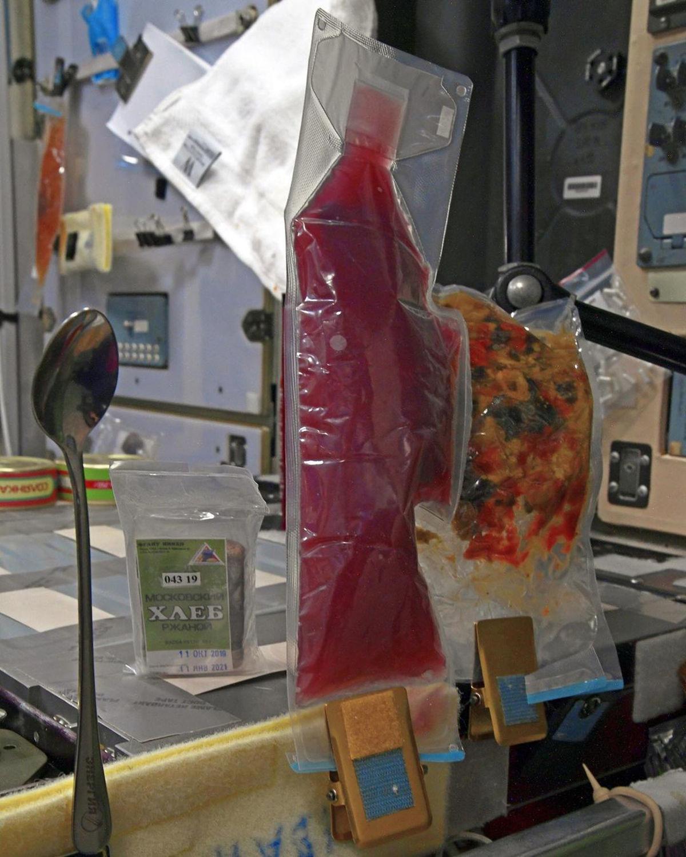 美国宇航员喜欢俄罗斯的番茄味鲟鱼肉