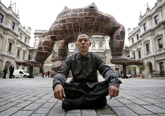 中国艺术家张洹将在莫斯科国际艺术在线论坛上进行发言