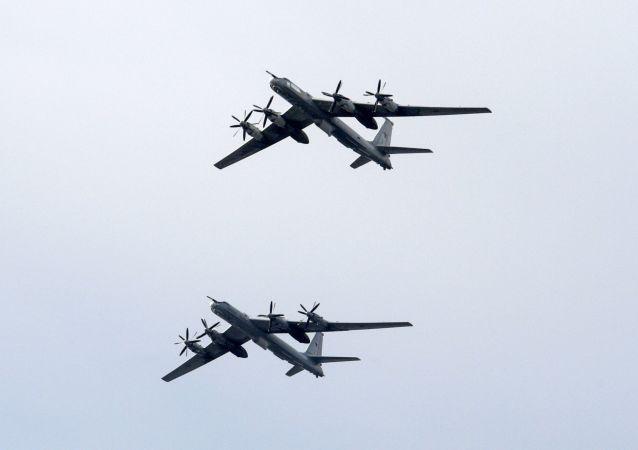 俄图-142飞机