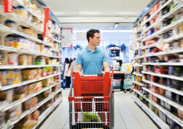 俄罗斯麦德龙在获悉食品或遭投毒的消息后已加强超市管控