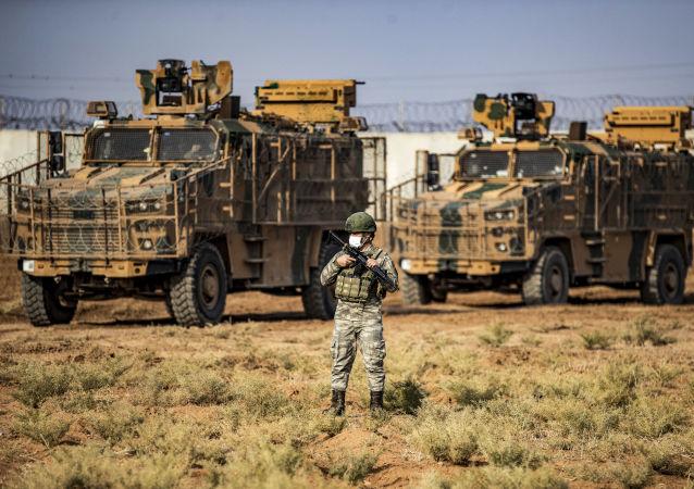 土耳其士兵在土叙边境