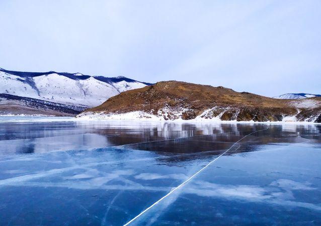 俄将邀约世界级明星征战贝加尔湖3月8日冰球赛