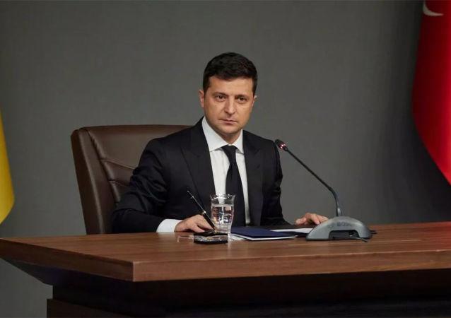 乌克兰总统称将与军人一起接种新冠疫苗