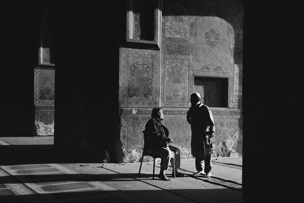 爱尔兰摄影师尹迪阁·拉莫尔的作品集。
