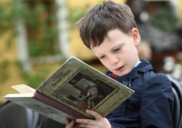 甚至最佳的电子产品也无法取代儿童好书