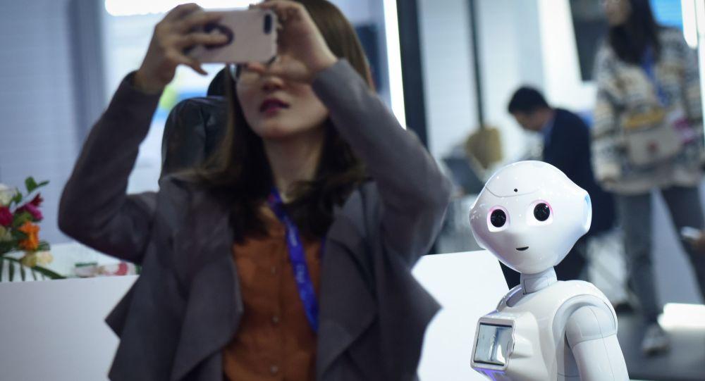 俄未来学家:新冠疫情促使工业和服务业使用机器人代替人类