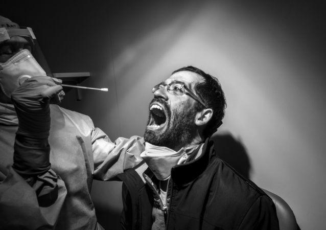 意大利摄影师Gabriele Micalizzi选送的《A Painful Necessity》作品系列摘得2020年东京摄影大赛人物类专业组桂冠