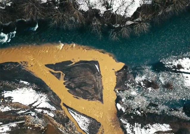 相见之地-阿迪格。镜头记录下不同水温河水交汇时美景
