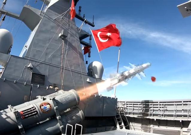 土耳其在黑海海域进行的国产新型反舰导弹试射取得成功