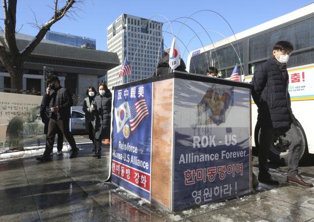 """韩国不再视日本为""""伙伴国"""",但暂时不想进入""""中国范围"""""""