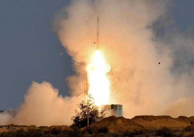 已在阿斯特拉罕附近向50多个国家武官展示S-400射击