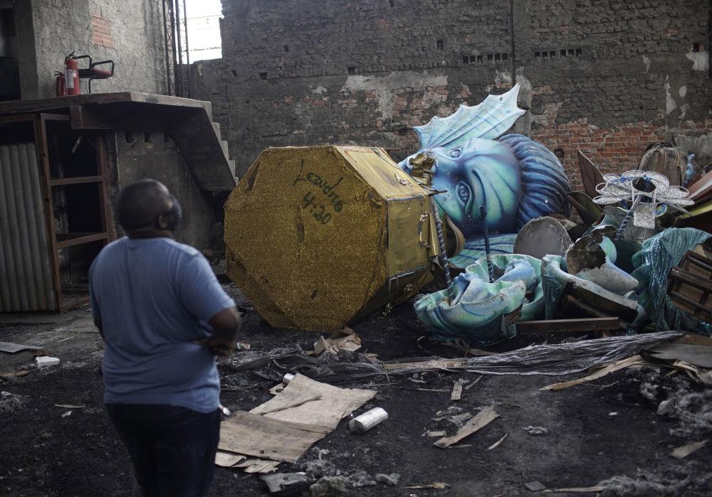 里约热内卢狂欢节因新冠疫情遭停办,期间使用的游行花车也被拆解。