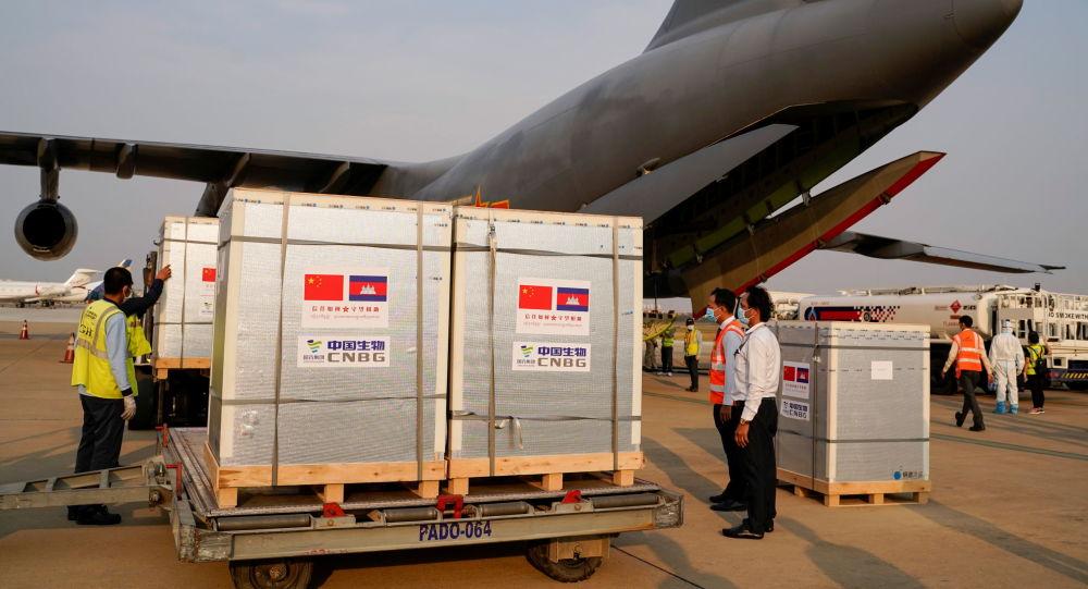 中国外交部:欢迎并期待更多国家助力国际抗疫合作