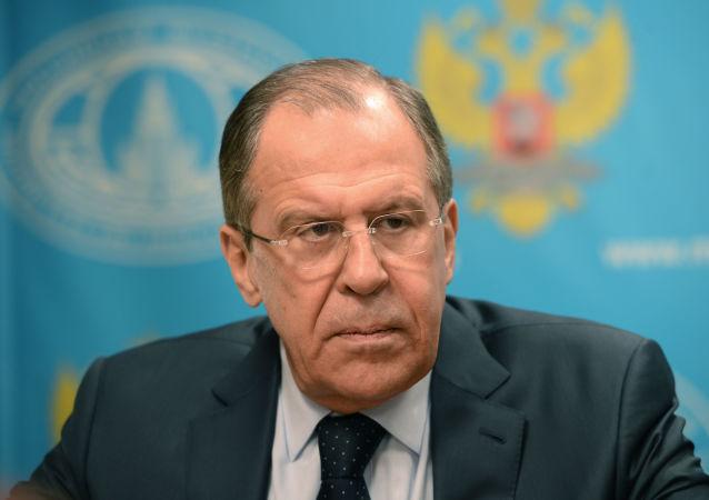 俄外交部:俄愿应邀充当美伊中间人