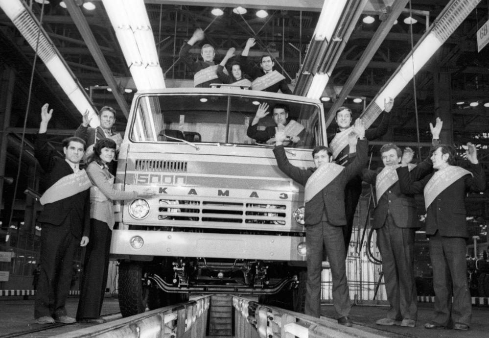 1976年,卡玛汽车制造厂第5000辆卡车下线。
